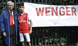 'Falso' Wenger já conquistou adeptos em Wembley