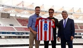 Tom Cruise visita estádio do At. Madrid