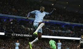Yaya Touré renova por mais um ano pelo Manchester City