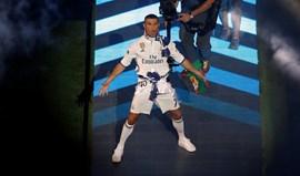 Ronaldo: «Cristiano Bola de Ouro»
