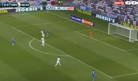 Giménez marcou um dos autogolos... do ano