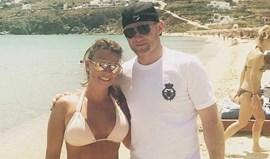Coleen e Rooney adescansar na Grécia