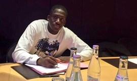 Ibrahima Konaté assina com alemães do Leipzig