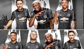 United 'apagou' Rooney da foto no Facebook e isso quer dizer alguma coisa...
