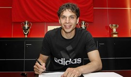 Benfica oficializa contratação de Krovinovic