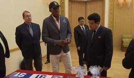 Dennis Rodman ofereceu livro de Trump... a ministro norte-coreano