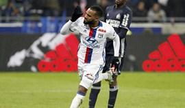 Lyon nega contactos com Arsenal por Lacazette