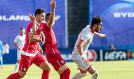 Zivkovic foi de vilão a herói no empate da Sérvia