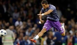 Idade de Cristiano Ronaldo 'tira' uns milhões à oferta do PSG