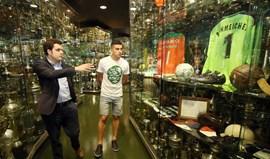 Battaglia orgulhoso no Museu do Sporting