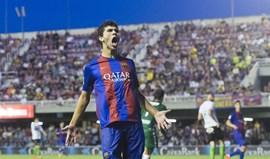 Carles Aleñàrenova por três anos pelo Barcelona