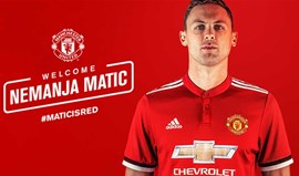 Oficial: Matic assina pelo Manchester United