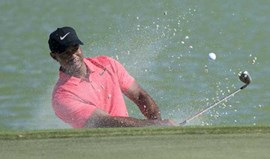 Tiger Woods regressa com nono lugar no Hero World Challenge