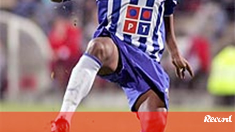 0fd402a69f Couceiro pensa em Bomfim - FC Porto - Jornal Record