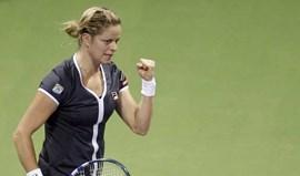 Clijsters atropela Stosur e está na final