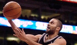 Tony Parker lidera Spurs em Washington