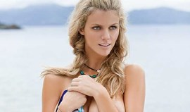 Brooklyn Decker divide a tela com Cameron Diaz
