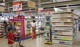 Confiança dos consumidores atinge mínimos históricos