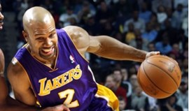 Lakers vencem Dallas com triplo de Fisher