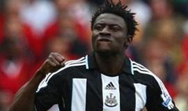 Obafemi Martins assina pelo Levante