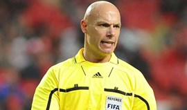 Howard Webb apita receção do FC Porto ao PSG