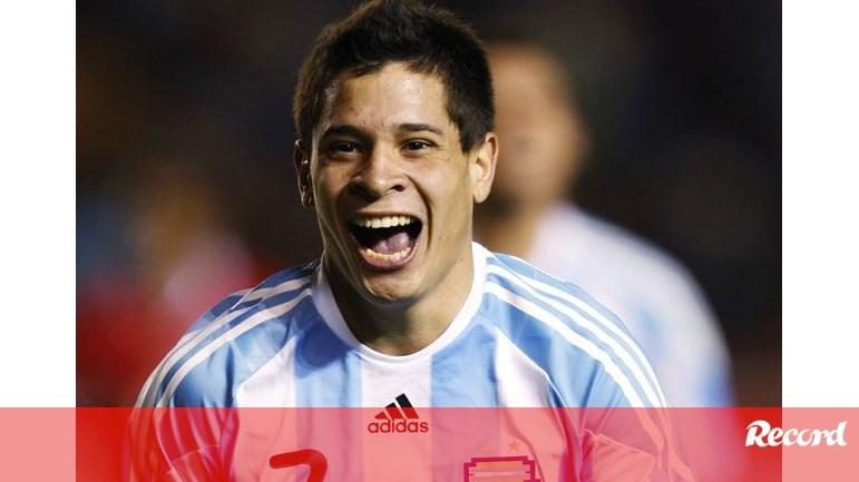 ab9991f437600 Messi elogia Iturbe através do Twitter - FC Porto - Jornal Record