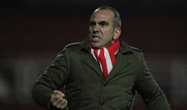 Di Canio vinga-se e assalta sede do Swindon