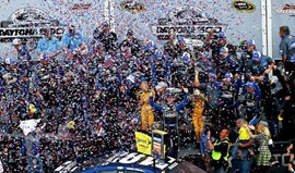 Jimmie Johnson vence Daytona 500