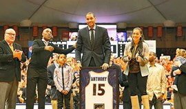 Carmelo Anthony recebe homenagem