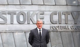 Mark Hughes é o novo treinador do Stoke City