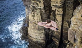 Gary Hunt vence Red Bull Cliff Diving nos Açores