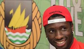 Esmael emprestado ao APOEL Nicósia