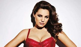 Kelly Brook arrasa