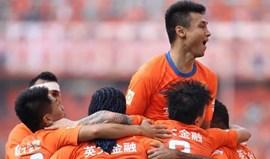 China: Guangzhou Evergrande revalida título