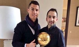 Até o cabeleireiro de Ronaldo tocou na Bola de Ouro