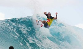 Gold Coast: Saca bate Jordy Smith e defronta Slater