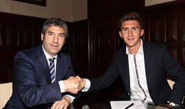 Athletic Bilbao renova com Laporte