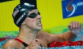 Katie Ledecky bate recorde mundial dos 1.500 livres