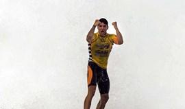 Campeão do Mundo Medina derrotado na final em Pipeline