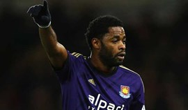Liverpool quer Alex Song e estraga planos do West Ham