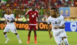 Gana segue para a final em jogo marcado por confrontos