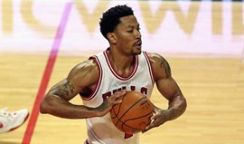 Derrick Rose regressa a tempo dos playoffs