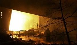 Incêndio destrói fábricas da Salvador Caetano e Dura