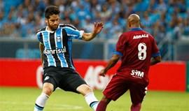 Grémio de Scolari regressa às vitórias