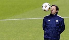 Bayer Leverkusen renova com Roger Schmidt