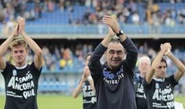 Maurizio Sarri rende Benítez no Napoles