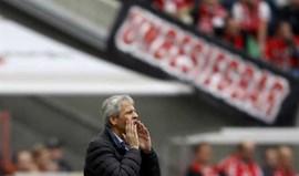 Lucien Favre demite-se do Borussia Moenchengladbach