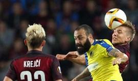 Grupo K: APOEL de Mário Sérgio e Nuno Morais volta a perder