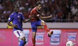 Costa Rica vence Haiti com Bryan Ruiz a titular