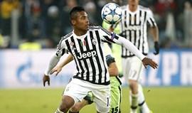 Manchester City tenta Juventus com proposta  de 40 milhões por Alex Sandro